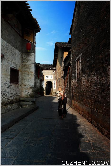 黄姚古镇美景:老街巷口